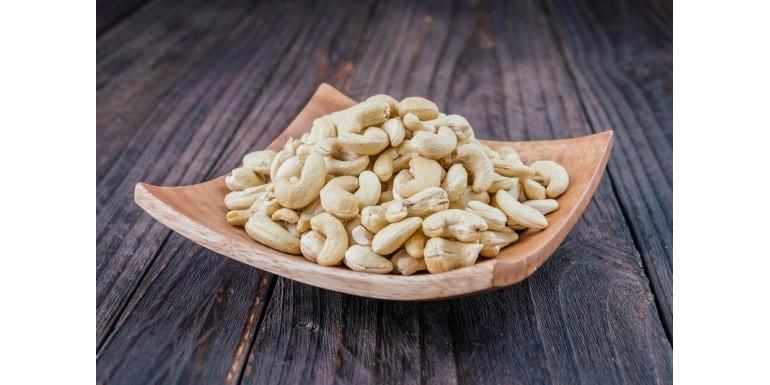 Orzechy nerkowca – dlaczego warto je jeść?