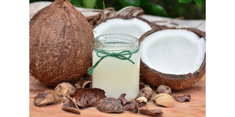 7 niesamowitych zastosowań oleju kokosowego – sprawdź czemu warto go mieć w swoim domu!