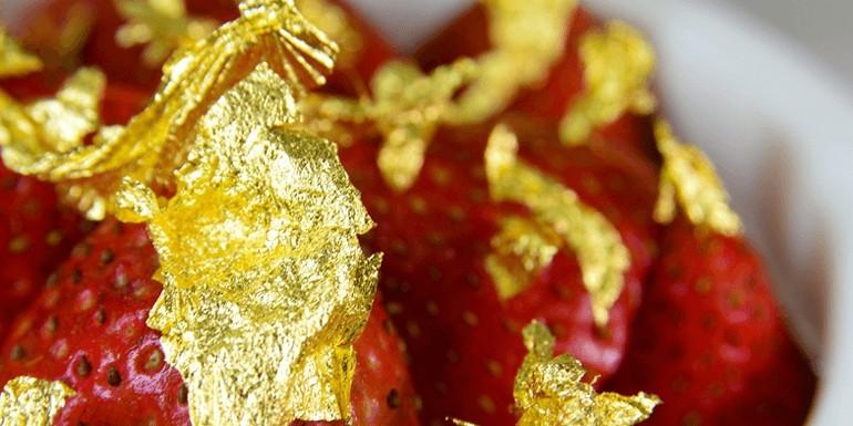 Złoto na talerzu – jak smakuje jadalne złoto?