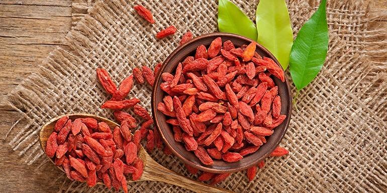 Jagody goji – jak jeść i z czym smakują najlepiej?