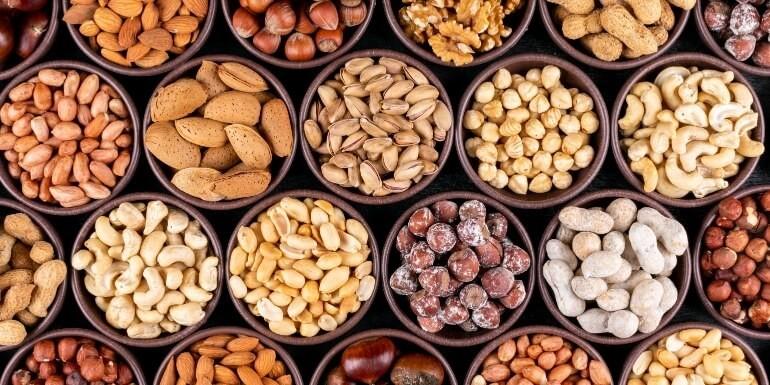 Orzechy piniowe – dlaczego warto włączyć je do swojej diety?